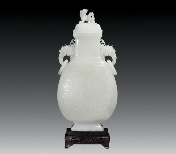 张铁成玉雕作品 背瓶壶